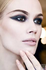 stop and read these makeup tips to look good in any pictures