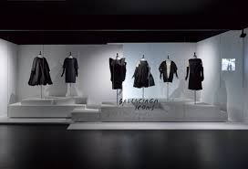 the exhibition game changers reinventing the 20th century silhouette at momu fashion museum antwerp photo momu antwerp stany dederen