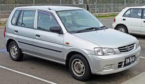 File:2000 Mazda 121 (DW Series 2) Metro Shades hatchback (2010-07 ...