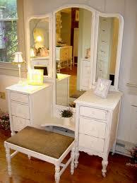Antique Bedroom Vanity Furniture - Bedroom Vanities Design Ideas ...