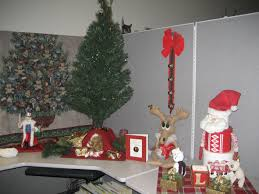 christmas office decorating. Exellent Decorating Interior Stunning Cubicle Decor Ideas For Home Office Decorations Christmas  With Faux Pine Three And Santa Decorating