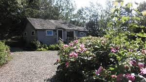 Monrovia Continues Tradition Of Selling The English Garden Romantic Cottage Gardens