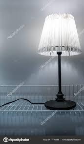 Tafellamp Antieke Stijl Gemaakt Van Papier Geïsoleerd Op Wit