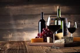 Какую опасность для россиян представляет <b>бокал вина</b> за <b>ужином</b>
