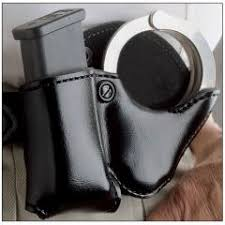 Double Magazine Pouch With Handcuff Holder DeSantis A100 Double Play Cuff And Magazine Pouch 12