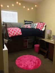 Dcor 2 Ur Door Elephant Dorm Room Bedding University of Alabama // cute  pillows and rug + organization under the bed
