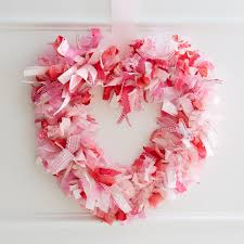 diy valentine wreath she loves me knot heart wreath