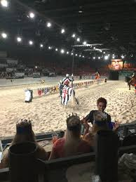 Myrtle Beach's Medieval Times Dinner Theater: The Black and White Knight  vs. The Red and Yellow Knight ⚔️ 🛡 | Medieval times dinner, Myrtle beach,  Dinner theatre