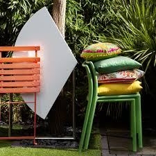 outdoor garden ideas. 3 Fold-up-chairs-small-garden-ideas-Simon-Bevan Outdoor Garden Ideas M
