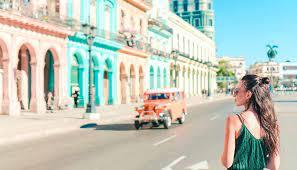Als Frau allein unterwegs in Kuba: 5 Tipps für Alleinreisende -  WeDesignTrips