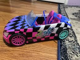 Jojo siwa came out as part of the lgbtq community in january. Jojo Siwa Dream Car Seats Two 10 Inch Jojo Siwa Dolls Jojo Siwa Doll Sold Separately Walmart Com Walmart Com