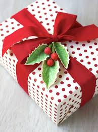 35 Unique Christmas Gift Wrapping Ideas  DIY Holiday Gift WrapChristmas Gift