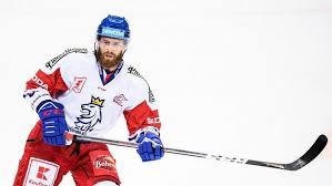 The latest tweets from @hokej_cz Ms Hokej 2021 Nekteri Se Nestacili Najist A Uz Jim Strkali Dalsi Jidlo Zasl Sekac Se Serialy Skoncil A Zbroji Sport Cz