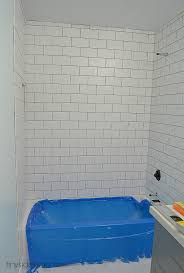 how to tile bathtub walls