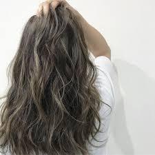 ハイライトヘアカラーの髪型セルフは難しいショートミディアム