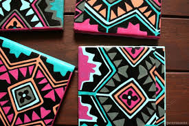 diy aztec print tile coasters via pearmama com