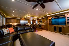Salon of Bravada Yachts GT2275