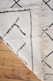 beautiful monochrome moroccan kilim rug handmade moroccan tribal kilim rug geometric beni ourain rug