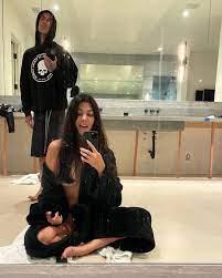 Kourtney Kardashian Shows Off Haircut ...