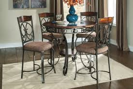 bree round gathering table