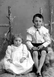 Duncan children | Vintage children, Beautiful children, Animals for kids