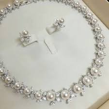 pearl diamond necklace set packaging