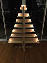 recycled pallet tree with tea lights