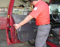 diagnosing and replacing a power window motor the first step in diagnosing a power window motor that doesn t move is to check the fuses and or circuit breakers check for power the ignition key in