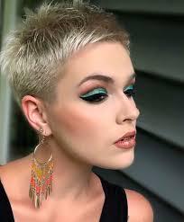 Pin Uživatele Blanka Bravencova Na Nástěnce Krátké Vlasy V Roce 2019