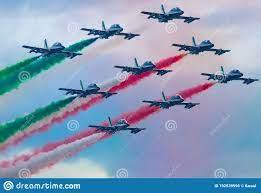 03082020 Das Frecce Tricolori Während Der Brückeneinweihung Genua San  Giorgio Stockfoto - Bild von kämpfer, luft: 192539996