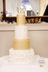 32 Wow Wedding Cakes From Irish Cake Makers Weddingsonline