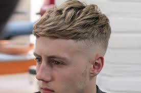 Model rambut butch cut, tidak seperti model rambut lainya, potongan rambut ini sangat simple dengan potongan cepak yang terlihat umum seperti dunia militer. Gaya Rambut Messy Hair Kini Dianggap Lebih Keren Dari Undercut Cobain Yuk Hai