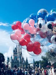 Pin by Natalia on d i s n e y | Disney world pictures, Disney balloons,  Disney pictures