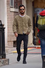 'i feel like a bit of a jerk'. Justin Theroux Ditches His Wedding Ring Following Split From Jennifer Aniston As He Heads Out In Nyc