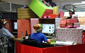 Office christmas decorations Grinch Christmas Desk Decoration Ideas Decoration Ideas For Your Desk Office Desk Decorations Office Christmas Decoration Competition Bradpikecom Christmas Desk Decoration Ideas Decoration Ideas For Your Desk