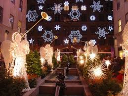 sacks 5th avenue new york city Christmas