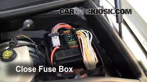 replace a fuse 2004 2010 bmw x3 2008 bmw x3 3 0si 3 0l 6 cyl 6 replace cover secure the cover and test component