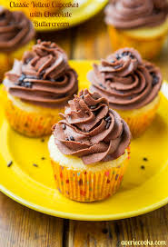 Classic Yellow Cupcakes With Chocolate Buttercream Frosting Averie