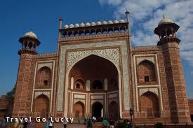 photo essay taj mahal the symbol of eternal love  sandstone entry gate