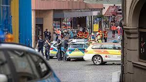 Bei einer messerattacke in würzburg werden drei personen getötet und fünf schwer verletzt. Hpmr8tbrabt9jm