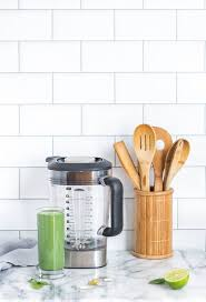 36 vinegar cleaning tips for kitchen and bathroom photo alison marras vinegar vinegarcleaning
