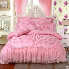 luxurious red pink bedding sets fashion wedding bedding set silk satin embroidery home textile romantic rose duvet cover princess lace sheet flannel duvet
