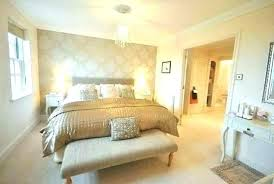 Gold Room Decor White And Gold Bedroom Decor Gold And White Bedroom ...