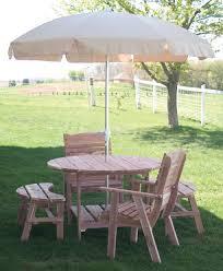 amish round picnic table with umbrella