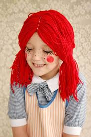 make a trip to the craft and whip up this raggedy ann wig from a beautiful mess in no time perfect for a mom daughter costume too or for boys