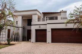 the luxurious villa was finally sold for the equivalent of 170 000 less than the asking
