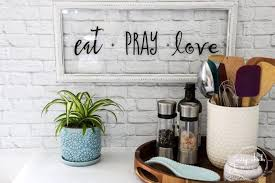eat pray love sign and free printable