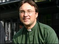 The Revd Ian Spencer has taken over as the new Warden of Holland House, a Christian retreat and conference centre in Cropthorne, near Evesham. - ian_spencer_203_203x152