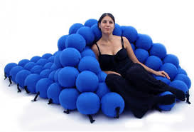 It looks like relaxing on a bed of squishy volleyballs, but the Feel Seating  System Deluxe is made up of 120 soft and extremely pleasant balls.