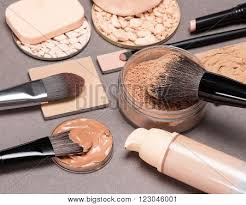 basic makeup s to create the perfect plexion liquid foundation diffe types of powder